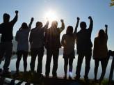 日・英に見る「夢見る若者」の虚実とポピュリズム