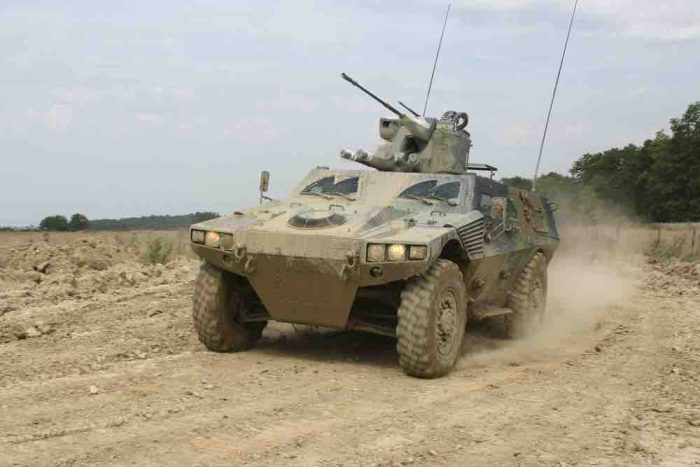 RWS,AXR20 を搭載した仏、パナール社のVBR装甲車:提供:パナール社