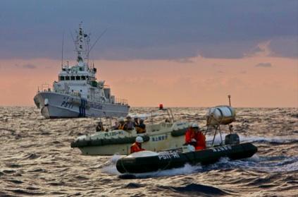 尖閣諸島沖で活動する海上保安庁の巡視船