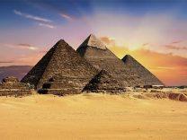 「ピラミッドは宇宙人が作った」 笑うに笑えぬ都市伝説 その1